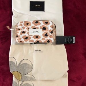 Brand New Daisy Marc Jacobs bags!